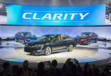 NYIAS 2017 Honda Clarity Electric Trio Shined with Center Stage