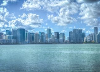 Miami Travel Guide for Students is a simple roadmap focusing on students who are looking to visit Miami.